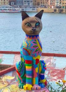猫モニュメント